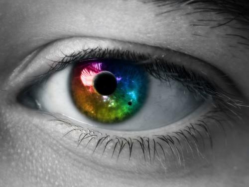 The_World_in_my_Eyes_by_Burning_Liquid.jpg (560 KB)