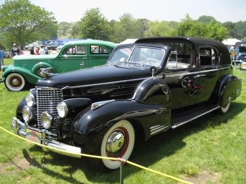 1940_Cadillac_90.JPG (2 MB)