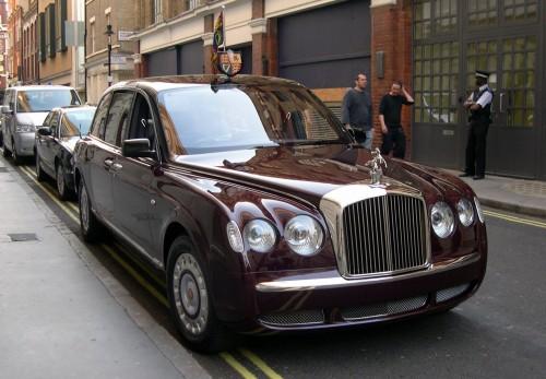 2002_Bentley_State_Limousine.jpg (419 KB)