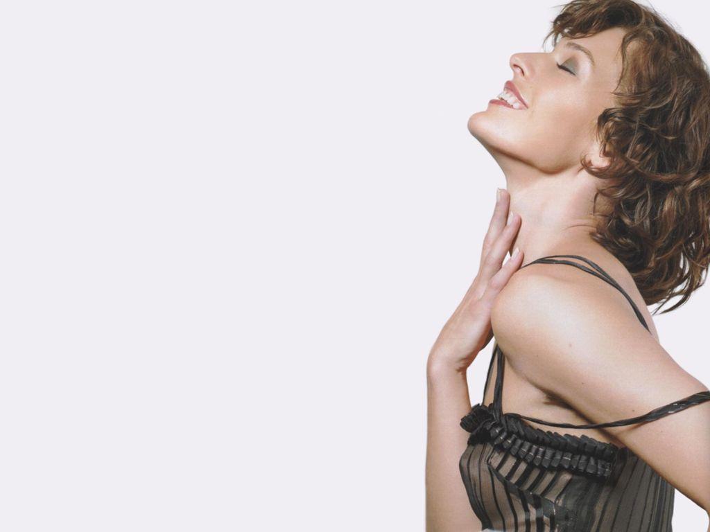 Milla-Jovovich-26.JPG