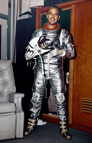 385px-Alan_Shepard_before_MR-3.jpg (73 KB)