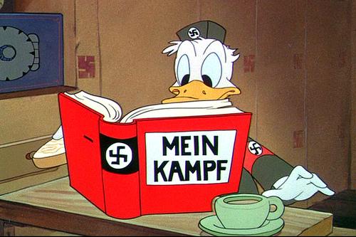 LES DIVINITES DU FORUM - Page 17 Donald_nazi