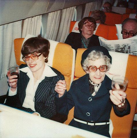 airplane,glasses,ladies,vintage,photo.jpg (83 KB)