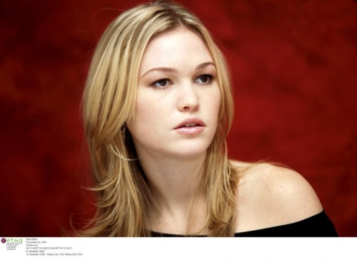 Stiles AG8888197321 500x372 More off julia stiles Wallpaper Sexy
