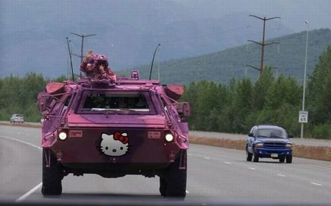 hello kitty cammo.jpg (136 KB)