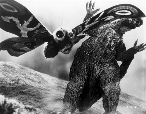Mothra Attacks.jpg (84 KB)
