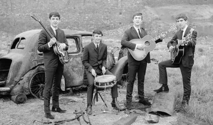 TheBeatles EarlyDays 700x414 The Beatles
