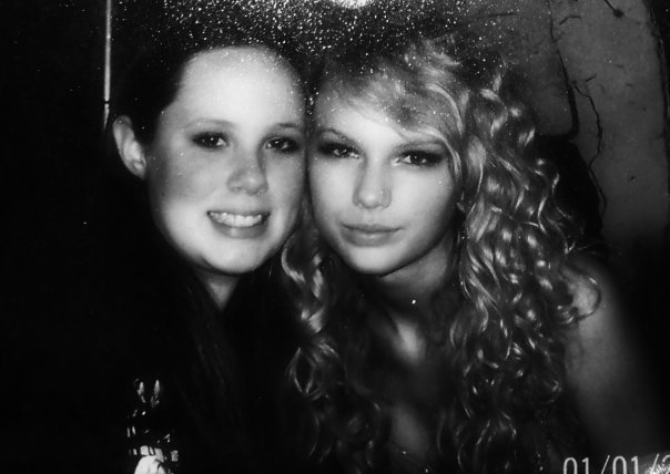 Kelly and Taylor.jpg (37 KB)