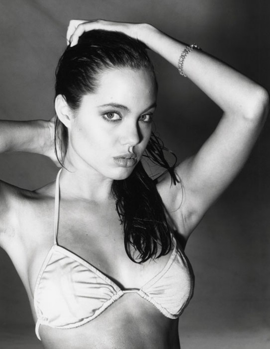 031710_angelina_gallery_05.jpg (53 KB)