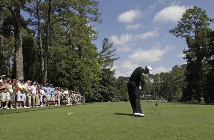 881190 700x460 TIGER AT THE MASTERS : DAY 2 Tiger Woods