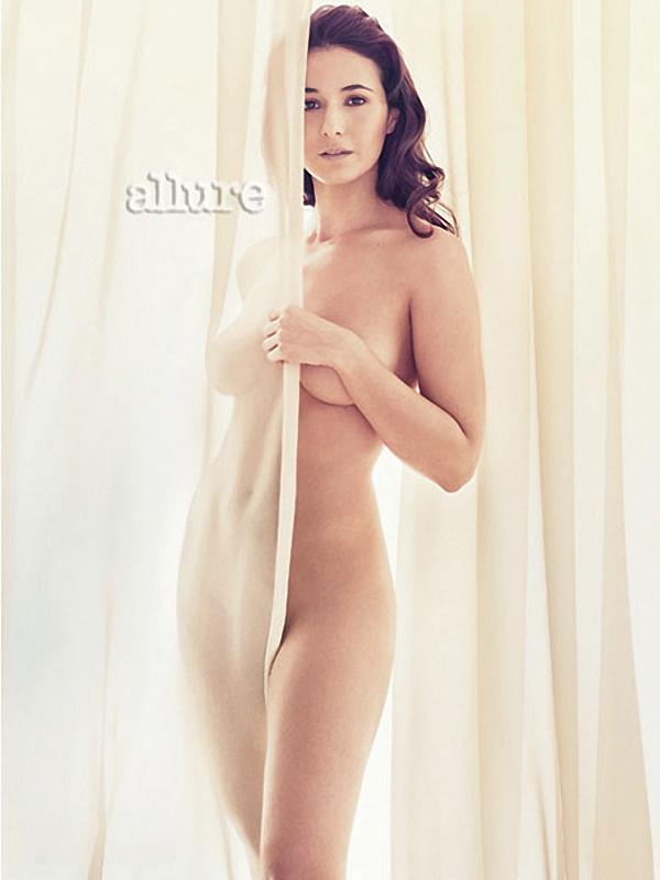 emmanuelle-chriqui-nude-kara-dioguardi-allure-02.jpg