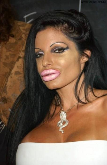 Lips.jpg (43 KB)