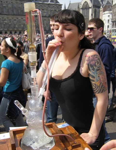 030508girlvaporizing.jpg (59 KB)