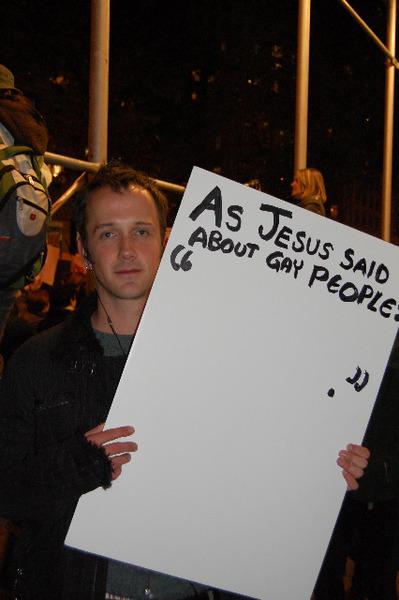 fuck-yeah-protest-tumblr_kyiiwzck4e1qajmybo1_400.jpg (66 KB)