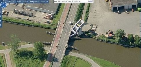flying bridge7 Flying Bridge in Holland. wtf Technology