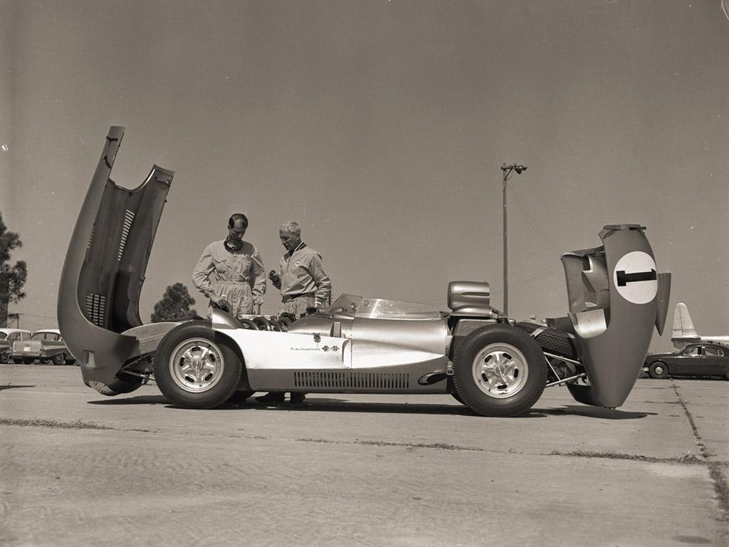 1957-Chevrolet-Corvette-Zora-Arkus-Duntov-hood-1024×768.jpg