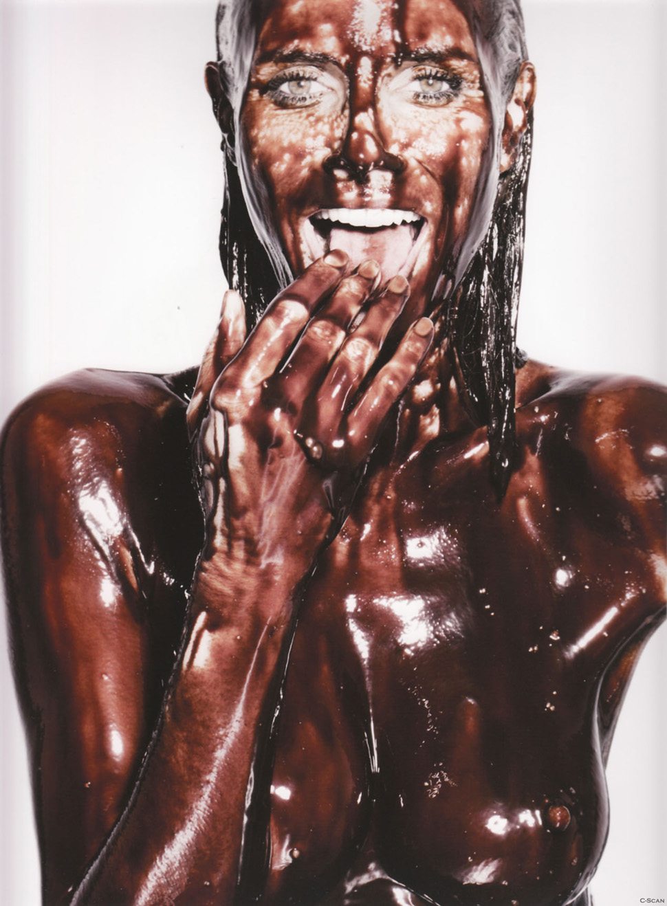 heidi_klum_coffee_table_book_heidilicious_1.jpg