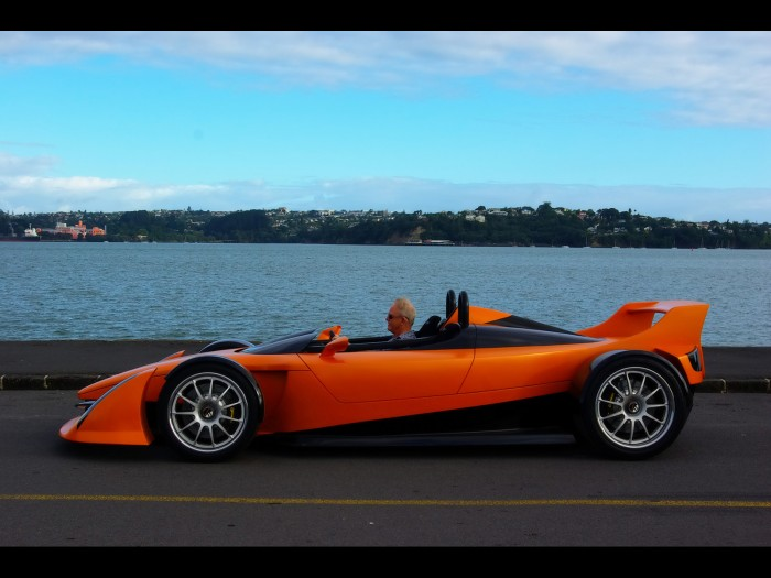 2010-Hulme-CanAm-SuperCar-Bear-1-Test-Car-Side-1600x1200.jpg (399 KB)