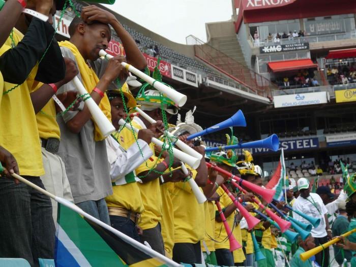 vuvuzelas.jpg (415 KB)