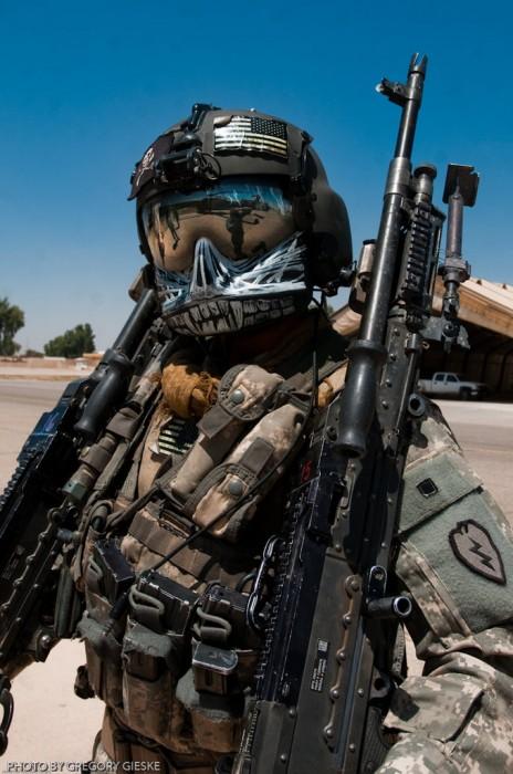 76643851 464x700 Black Hawk Door Gunner