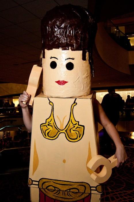 lego-slave-leia-costume.jpg (196 KB)