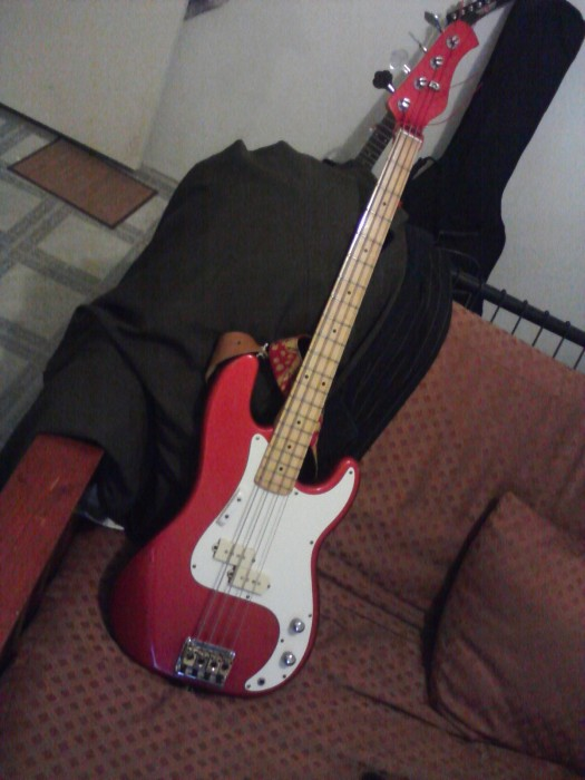 Image09072010212101 525x700 My Hondo bass Music