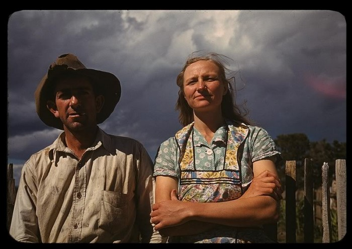 FSA NM Faro and Doris Caudill 700x495 Great Depression Photos Technology