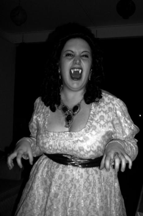 vampwife.jpg (49 KB)
