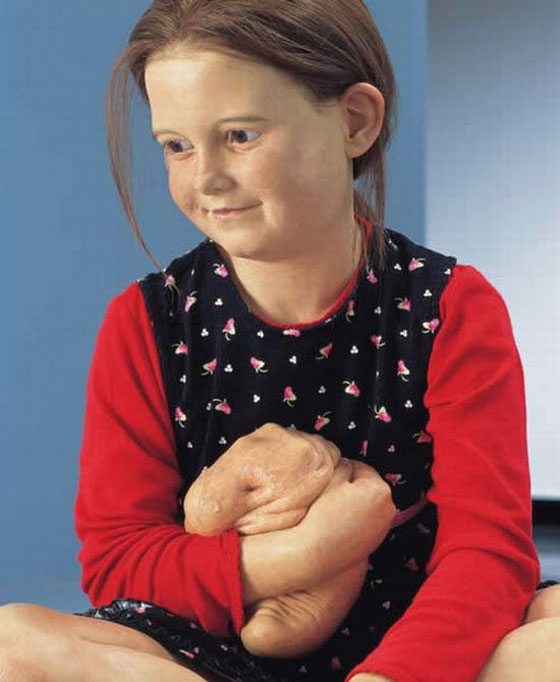 sculptures_by_Patricia_Piccinini21.jpg (59 KB)