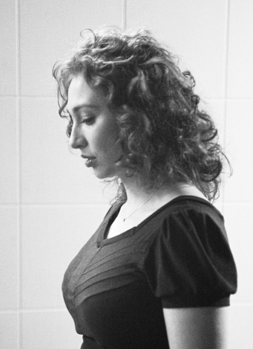 regina is looking down 507x700 Regina Spektor regina spektor