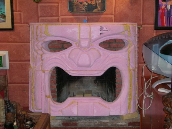 home-made-fireplace-3.jpg (99 KB)