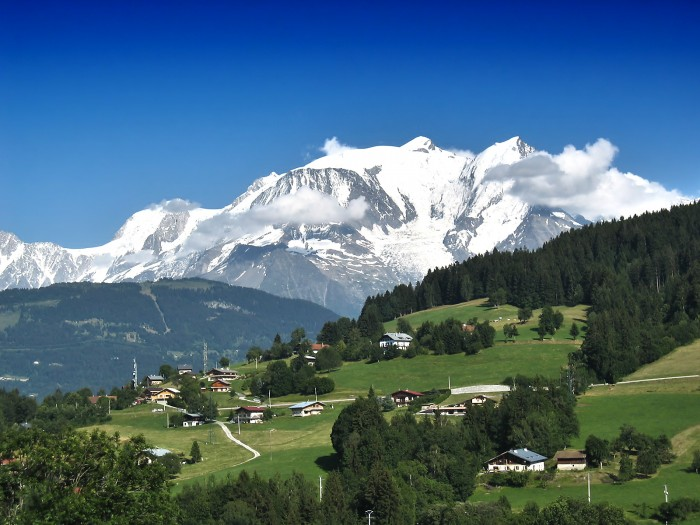 Mont_Blanc_1600.jpg (641 KB)