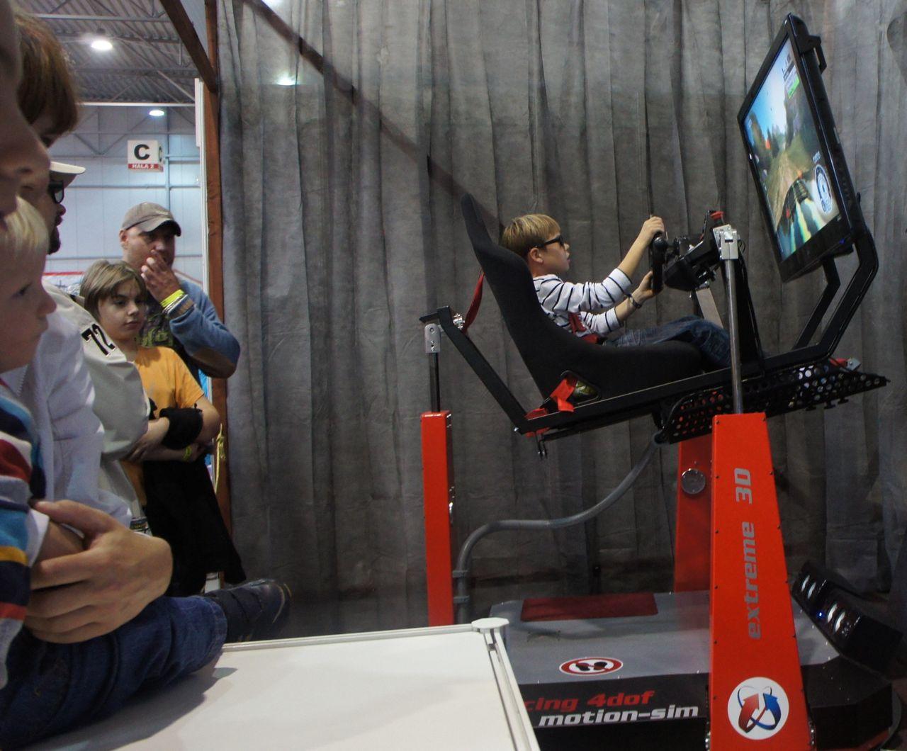 crazy-racing-simulator-by-motion-sim_2.jpg