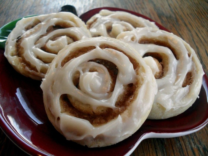 cinnamon-roll-sugar-cookies-2-21-10.jpg (153 KB)