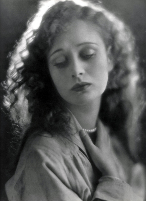 Dolores Costello, silent film actress and Drew Barrymore's grandmother.png (1 MB)