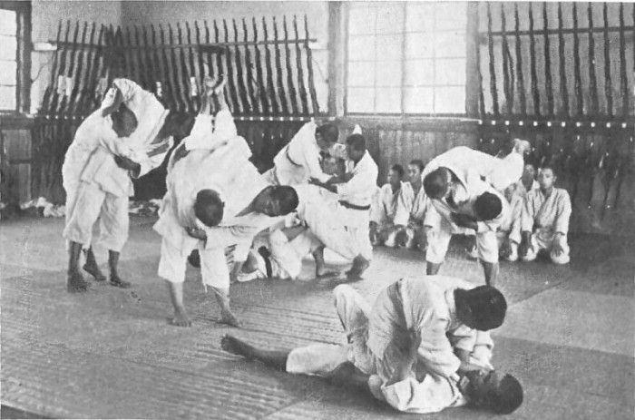 jujutsu_school.jpg (89 KB)