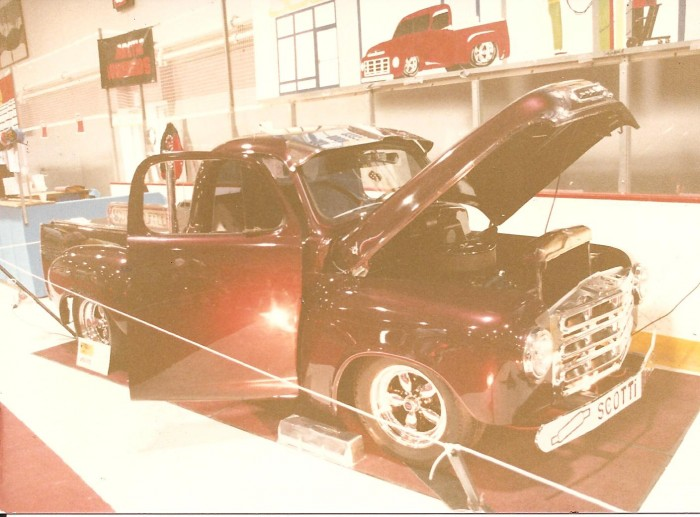Nuclear Auto Body Stuarts 1952 Studebaker Pick Up 7.jpg (168 KB)
