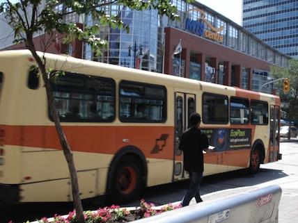 Winnipeg_Transit_865.jpg (58 KB)