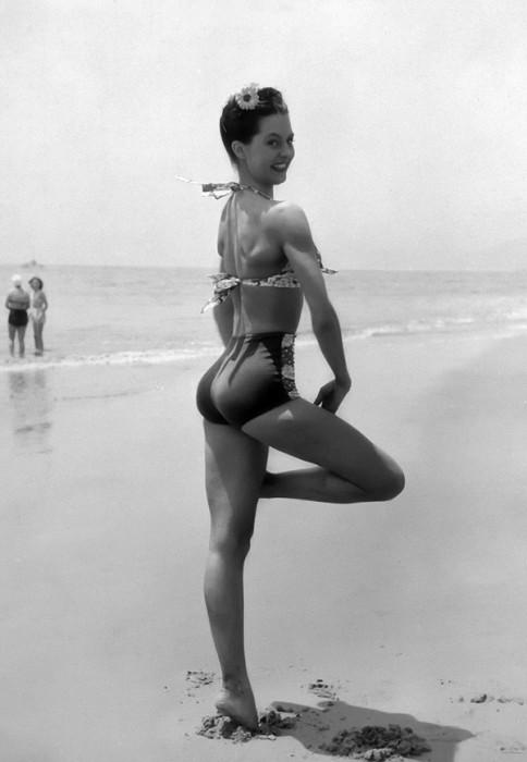 beach-girl.jpg (210 KB)