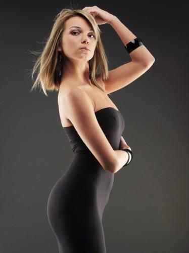 black-dress-striper-2-767x1024-374x500.jpg (25 KB)