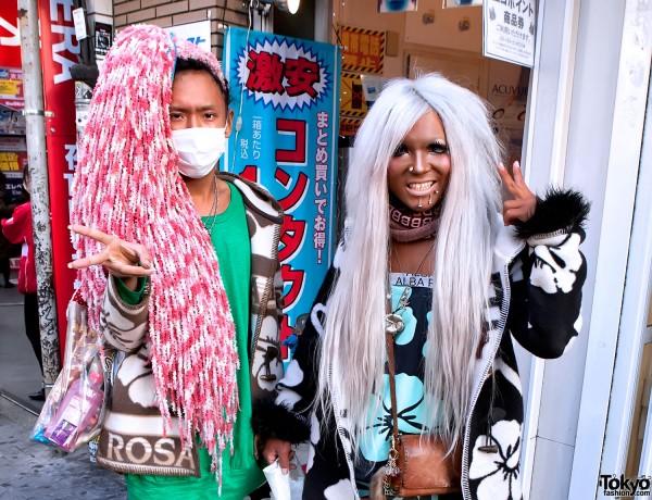 Ganguro-Shibuya-2011-02-13-G7657-600x460.jpg (120 KB)