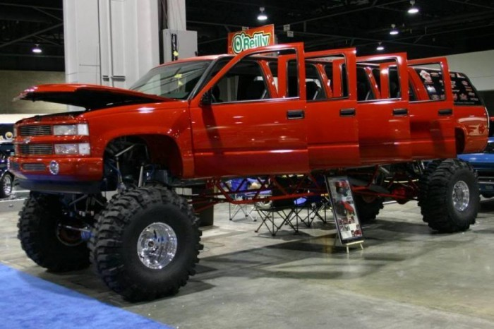 lifted-chevy-truck-limo.jpg (71 KB)