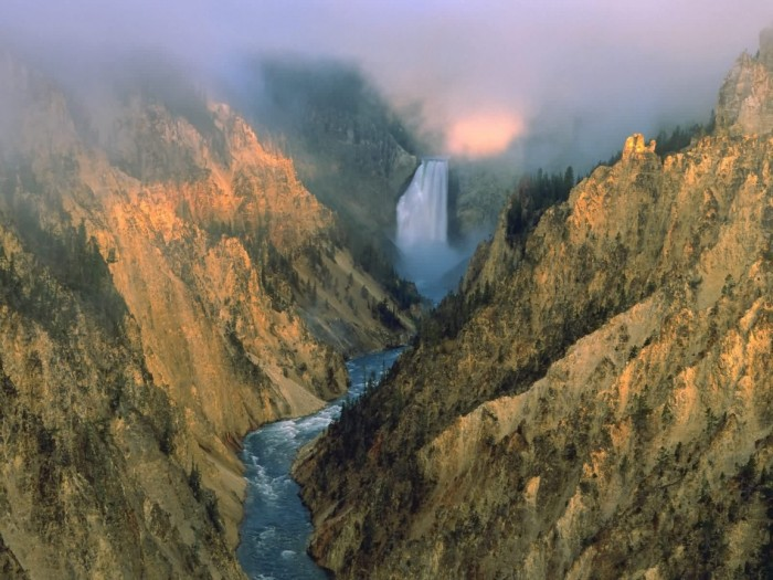 lower-yellowstone-falls-yellowstone-national-park-wyoming-1152x864.jpg (362 KB)