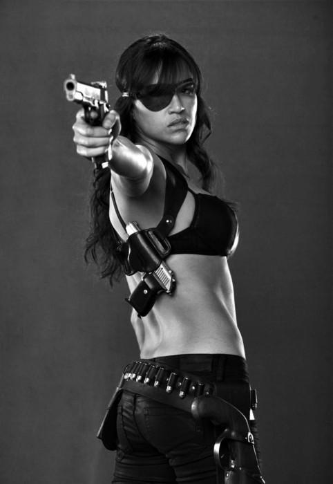 Michelle-Rodriguez-Machetjpg.jpg (129 KB)