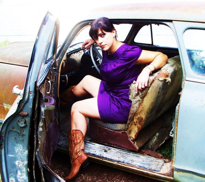 47850 110186799038852 110186395705559 80536 5975478 n 700x623 More Danielle from American Pickers
