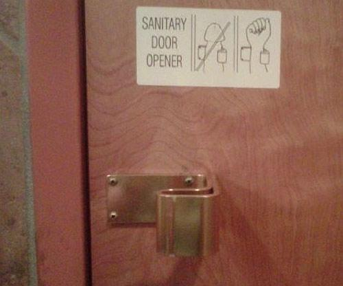 Sanitary door opener.jpg (23 KB)