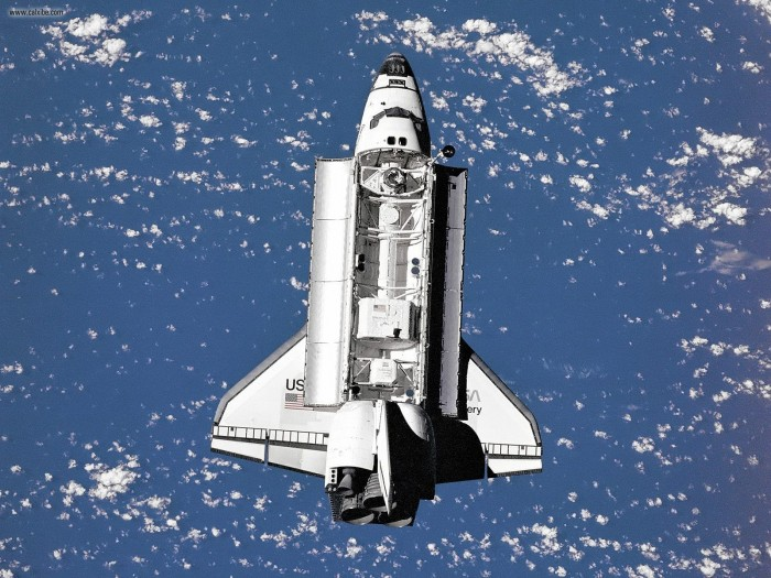 Space_Shuttle_Discovery_as_Seen_From_Mir.jpg (420 KB)