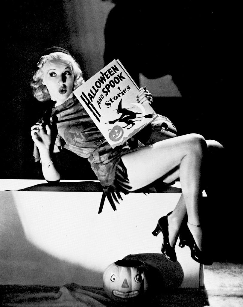 betty-grable-vintage-halloween-pinup.jpg