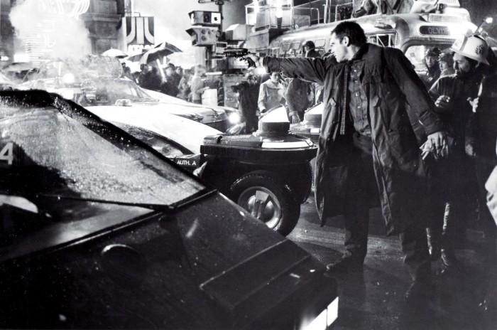 Harrison-Ford-as-Deckard-in-Bladerunner-blade-runner-8243076-1621-1075.jpg (230 KB)
