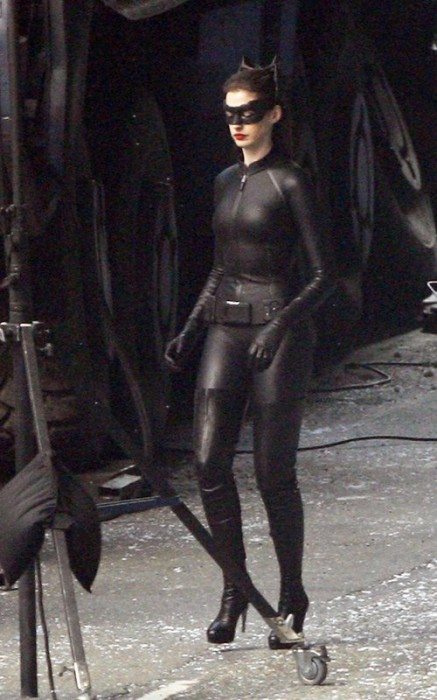 anne hathaway cat2 437x700 Anne Hathaway as Catwoman Sexy Movies Comic Books